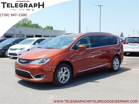 New 2018 CHRYSLER Pacifica Touring L Plus